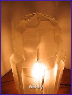 1930 Superbe Grande Lampe Art Déco Skyscraper Building Globe Verre Moderniste