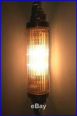 Ancien Old Art Deco Skyscraper Laiton & Glass Rod Lumiere Appliques murale Lampe
