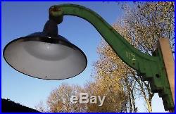 lampe art deco ancienne lampe de cour col cygne industriel. Black Bedroom Furniture Sets. Home Design Ideas
