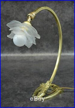Ancienne Lampe En Bronze Et Tulipe En Pate De Verre Art Deco