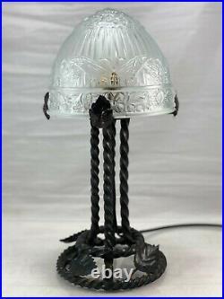 Ancienne Lampe Fer Forgé art déco, avec Dôme en verre moulé a déco papillons