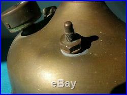 Ancienne lampe à pression UNIC n° 9, essence, pétrole, années 1930/1950