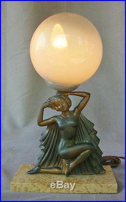 Ancienne lampe femme art nouveau déco regule signée Molin globe verre
