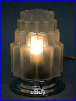 BELLE LAMPE BUILDING MODERNISTE ART DECO SKYSCRAPER GRATTE-CIEL 1930 n2