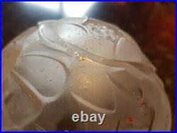 Chapeau de lampe époque Art Deco en verre moulé ollier hettier vincent muller