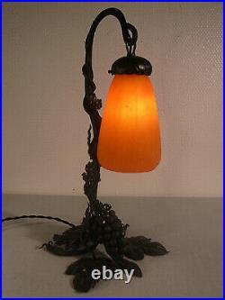 DAUM NANCY lampe art déco en fer forgé et tulipe 1925/1930