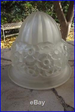 DômeTulipe Globe pate de verre pressé décor floral lampe lustre Art déco Noverdy