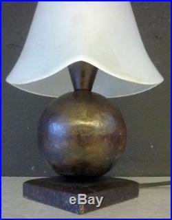 EDGAR BRANDT Lampe art deco fer forgé et pate de verre signée
