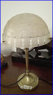 Hettier & Vincent lampe de table verre moulé sur pied bronze idem Gilles Muller