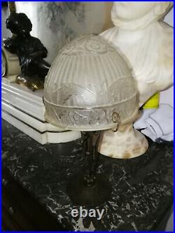 LAMPE ART DÉCO EN FER FORGÉ ET OBUS EN PTE DE VERRE 1930 papillon