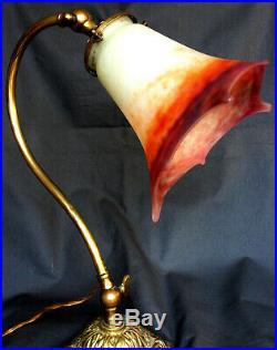 Lampe 1900 avec pied bronze et rare tulipe MULLER étoile, era daum galle vase