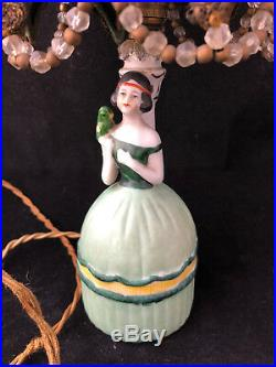 Lampe Art Déco 1930 Femme à la péruche Porcelaine Antique Lamp French Porcelain