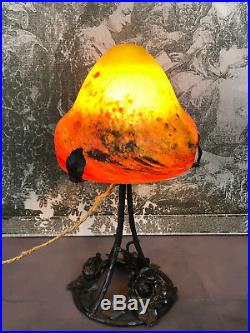 Lampe Art Deco Signé (le Verre Français)dôme En Pate De Verre / Pied Fer Forgé