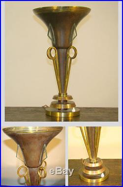 Lampe De Table Art Deco Moderniste Vers 1930