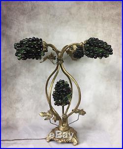 Lampe En Bronze Et Laiton À Décor De Feuilles De Vigne Avec Grappes De Raisin