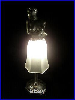 Lampe Statuette Art Déco Courtisane En Fonte Dart Et Verre Pressé 1930