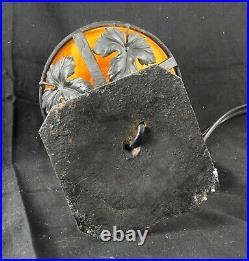 Lampe à poser en fer forger avec dome en pate de verre signé le verre francais