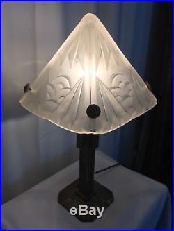 Lampe art déco Degué verre signé et fer forgé