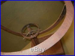 Lampe art déco en fer forgé mappemonde Edgar Brandt globe luminaire