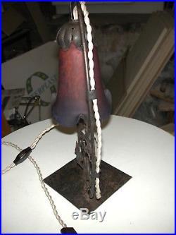 Lampe de table art déco Degué fer forgé et pâte de verre décor feuilles de vigne