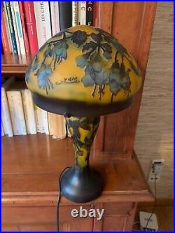 Lampe en pate de verre champignon daum gallé art deco