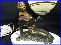 Lampe femme art déco régule patine bronze