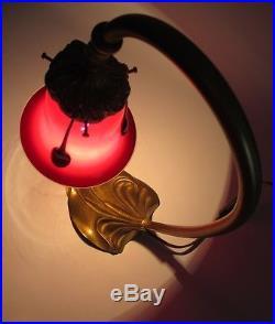 Lampe laiton tulipe Loetz Tango Rouge Michael Powolny Bohême Art Deco