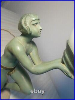 Lampe sculpture art deco LIMOUSIN femme danseuse nue statue en metal regule lamp