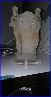 Lampe veilleuse ancienne ART DECO verre pressé moulé 4 Femmes très rare