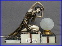 Lampe veilleuse art deco 1930 P. SEGA sculpture femme vintage lamp woman figurine