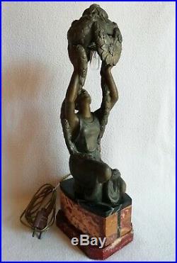 P. SEGA lampe veilleuse en régule Femme période Art-déco 1930 100% d'origine