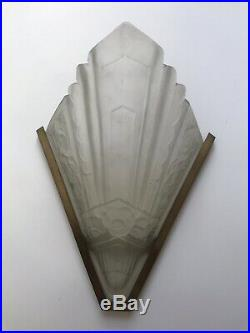 Paire dappliques Art Deco En Verre Moulé Givré Années 30 lampe vintage XXe