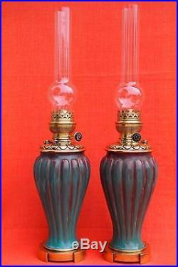 Paire de grandes lampes à pétrole en faïence époque Art déco
