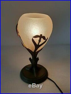 SCHNEIDER Lampe VEILLEUSE en bronze décor de branchages art déco tulipe signé