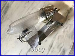 Sarsaparilla Art Déco Lampe de Table, Chrome / Verre Dépoli Avion