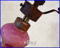 Schneider signature au berlingotLampe en pâte de verre décor rosesVers 1920