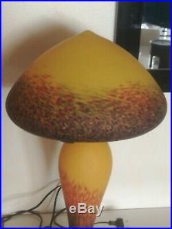 Superbe grande lampe champignon signé Vianne art déco en pate de verre 57cm