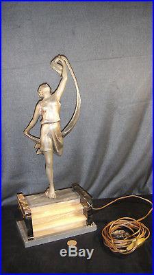 Superbe lampe veilleuse art déco femme au chale régule et socle marbre
