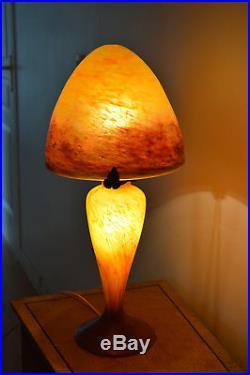 Très Belle Lampe Signée Le Verre Français Epoque 1920/30 Hauteur 56cm