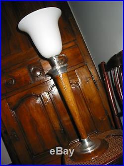 Très belle lampe art déco signée MAZDA en bois et en métal en super très bon